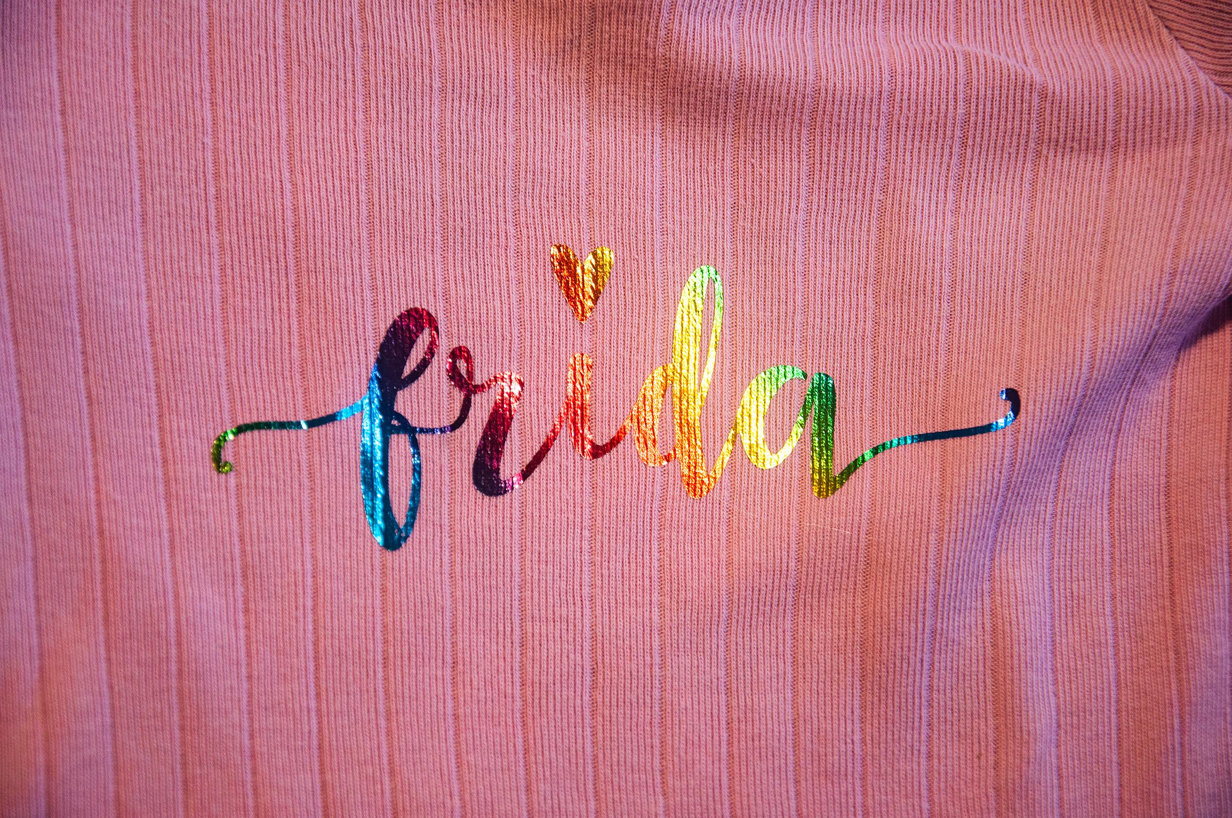 Navn i regnbuefolie